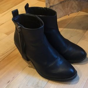 Forever 21 black ankle boots with tassel zippers